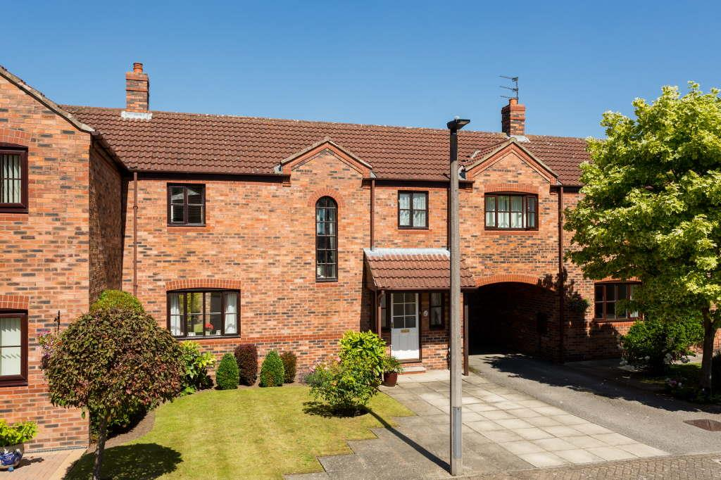 Villa Court, Upper Poppleton, York